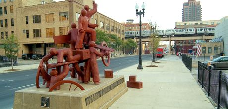 An image of the Haymarket Memorial from City of Chicago's website.